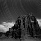 東京都・西巣鴨にて、世界中の砂漠で岩と星を捉えた広川泰士氏の写真展