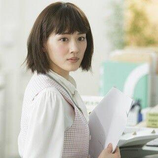 綾瀬はるか、妄想OL役の映像初公開! 心の中で斎藤工に告白「好きです!」