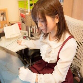 """液晶ペンタブレット「Cintiq 24HD」が作画の効率化と""""健康""""をもたらした - 漫画家・小田すずか"""
