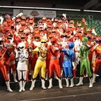 「スーパー戦隊」39作の歴代レッド戦士が大集合、最新ヒーロー『動物戦隊ジュウオウジャー』にエール