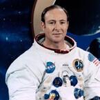 アポロ計画で月を歩いた1人、エドガー・ミッチェル元宇宙飛行士が死去