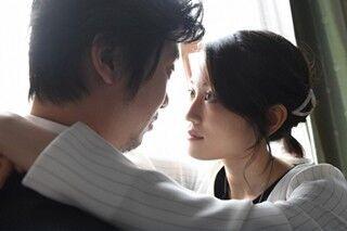 前田敦子&新井浩文のガラス越しシャワーシーンがエロい!『毒島』第5話