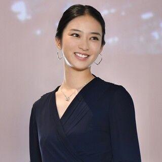 滝沢秀明がティファニージャパン副社長役! 武井咲ドラマ、ブランドとコラボ