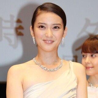 武井咲、滝沢秀明の笑顔に胸キュン「まじまじと見られてラッキー」