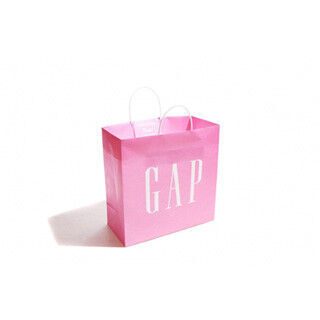 Gap、乳がんサバイバーのためのチャリティーキャンペーン開催