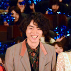 菅田将暉、剃った毛の手触りにはまる? 重岡大毅のフォローに「うまい!」
