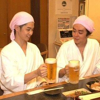 """千葉雄大&ヒャダイン、サウナで水着姿を披露 - 2人で大阪を""""こじらせ旅"""""""