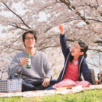 生田斗真、女性として動く姿を初公開 - 『彼らが本気で編むときは、』予告