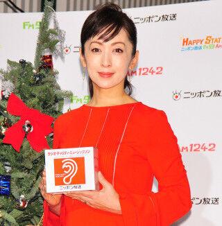 斉藤由貴、25年ぶりの24時間パーソナリティに「差し入れで乗り切りたい!」