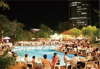 五大陸リゾートをテーマにしたビアガーデンを開催 - 大阪・千里阪急ホテル