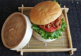 秋葉原「まんが王国とっとり」建国イベントに、鳥取ご当地バーガーが集結!