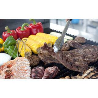 ホテル屋上でバーベキューバイキング - シェフが焼く肉類も食べ放題