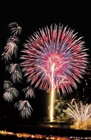 熊本県・音楽の都玉名市で花火と音楽の融合を楽しめる納涼花火大会開催