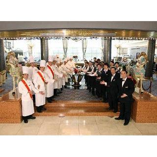 ホテル開業20周年を記念したバイキングで人気メニューが勢揃い!