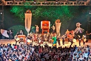新潟県佐渡で和太鼓演奏を中心とした迫力の芸術祭