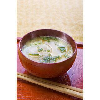味噌汁がおいしい牛丼チェーン - 「なか卯」も高評価でランクイン