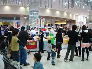兵庫県 イズミヤ西宮ガーデンズ店で「秋の大試食会」開催