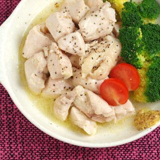 鶏むね肉の激ウマ料理 (10) オリーブオイルと日本酒で煮る「油塩鶏」が超しっとりで激ウマ!