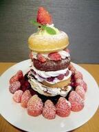 東京都台東区にある谷中満天ドーナツが高さ25センチの「タワーケーキ」発売