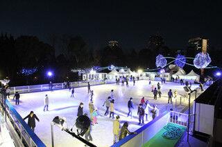 東京都港区・東京ミッドタウンに、期間限定の屋外スケートリンクが登場