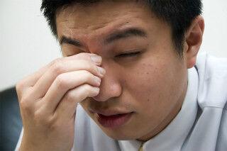 急な頭痛を和らげる方法