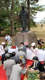太宰治の出身地、青森県五所川原市で「太宰治生誕祭」開催