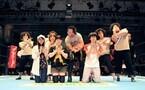 吉野家が新日本プロレスとコラボ! 中邑真輔選手が特製どんぶりをプレゼント