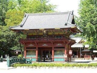 """東京都・根津神社で、""""江戸の三大祭り""""の一つ「例大祭」開催 -大神輿も展覧"""