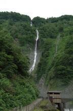 富山観光レポート! (2) 富山県黒部の入り口に眠る秘境 日本の滝100選の景観美