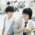 神木隆之介&高橋一生、屋上でほっこりツーショット! 映画『3月のライオン』