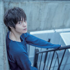窪田正孝、初カレンダー発売! 浴衣、メガネ、スーツなどレアショット満載