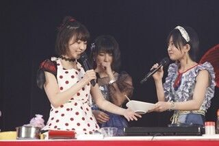 AKB48、ライブでお花見&料理! 宮脇咲良は豚キムチ、白間美瑠はお好み焼き