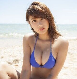 久松郁実、サンセットのシーンは「胸の形がキレイに見えます!」