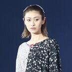 山田優、第2子出産後初イベントで美脚披露! 貫禄のウォーキングで存在感