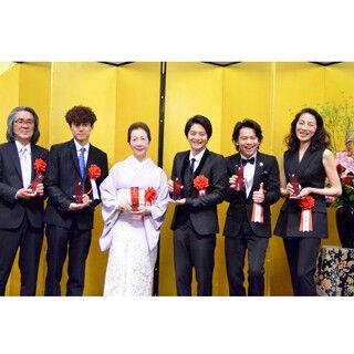 麻実れい、中川晃教らが新たな歩みに決意 - 菊田一夫演劇賞授賞式