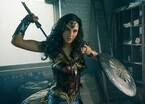 『ワンダーウーマン』と『セーラームーン』に共通点!? 美女戦士のアクションに注目