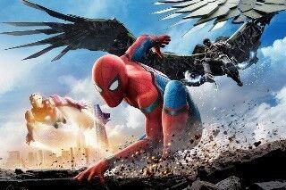 シリーズ最新作『スパイダーマン:ホームカミング』が首位発進 - 北米週末興収