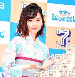 島崎遥香、鈴木奈々から「キスがすごそう!」と妄想されて困惑