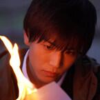「重荷背負った」岩田剛典、新たな表情の『去年の冬、きみと別れ』超特報
