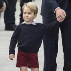 英ジョージ王子、初登校は順調に終了 - 妊娠のキャサリン妃は同伴せず