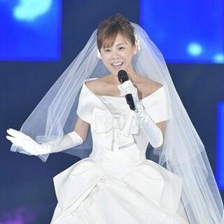 高橋真麻、ウエディングドレス姿で「シンデレラ・ハネムーン」熱唱