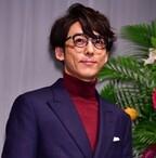 高橋一生、メガネが似合う芸能人に選ばれるも「視力は2.0なんです」