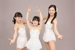 本田3姉妹がCM初共演! 純白衣装で華麗なスケーティング披露
