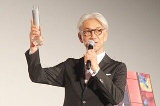坂本龍一、SAMURAI賞に照れ笑い「侍という名にふさわしいか疑問ですが…」