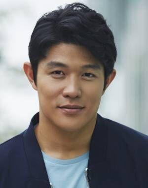 鈴木亮平、山崎賢人の先輩役で映画『羊と鋼の森』に出演