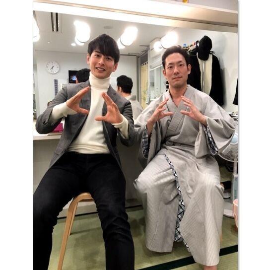 """石黒英雄×中村勘九郎、""""ウルトラマンオーブ""""ポーズ2shot披露"""