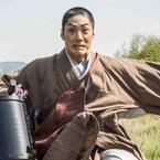 映画『花戦さ』DVD発売&配信開始! 野村萬斎「私なりの動きを」の所作