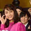 中島健人、「1年に1回照れる日」が訪れた? 知念侑李と3番勝負