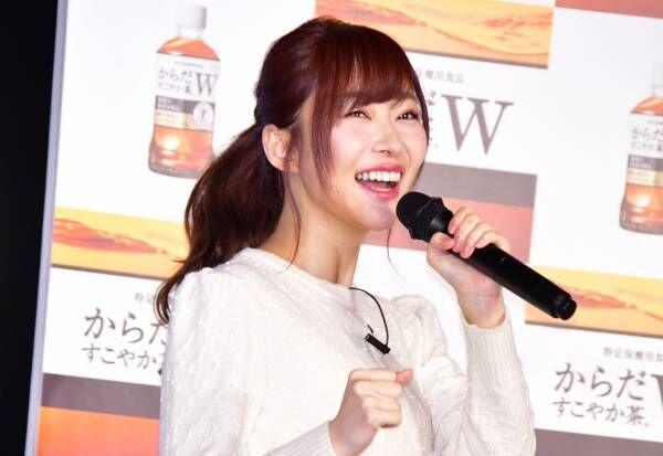 HKT48の指原莉乃、報道陣の前で久しぶりの生脚を披露「今すぐ結婚したい!」