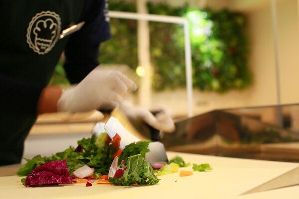 下北沢にチョップドサラダのレストランがオープン